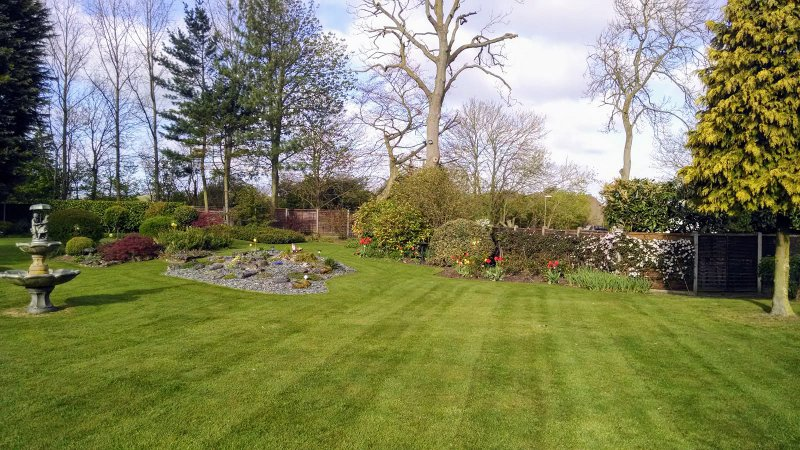 Garden maintenance for large gardens